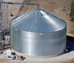 Brock's M-Series™ Commercial Grain Storage Bins feature single bin capacities of over a million bushels and are available in two diameters: 156 and 132 feet (47.5 and 40.2 m). Shown is a 156-foot diameter bin in Nebraska.