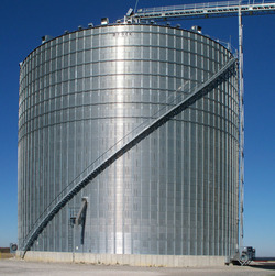 Get the convenience and advantages of a stairway on your grain bin with the BROCK SHUR-STEP® Bin Stairs.
