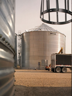 For on-farm grain storage, Brock's broad line of wide-corrugation and narrow-corrugation bin choices helps you to get the right grain storage bin for the job.