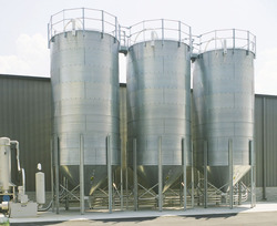 Brock Industrial Systems offers a complete line of bolted steel bulk storage silos.