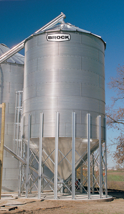 If your needs include wet holding bins, seed storage bins, overhead gravity-flow tanks, blending tanks, or a bin for tempering your grain, consider a BROCK® On-Farm Hopper Bin.