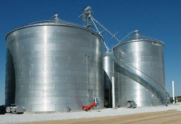 Brock Bin Size Choices Range From 15 To 54 Feet 4 6 16 5 M In Diameter And Capacities Up Nearly 71 000 Bushels 2 360 M³ For The Largest Farm