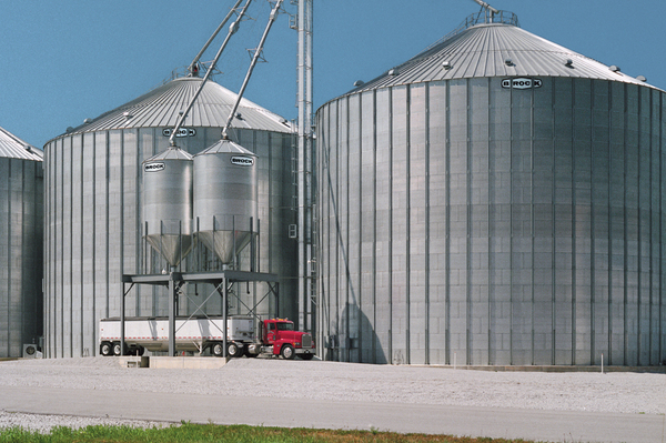Brock offers a variety of stiffened flat-bottom and hopper-bottom storage bins including the companyu0027s line of EVEREST® E-Series Grain Bins and M-SERIES™ ... & BROCK® Stiffened Grain Bins - Brock® Systems for Grain Storage ...